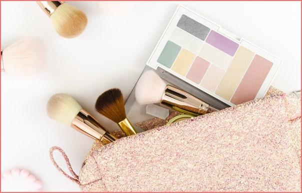 Makeup Classes   Makeup Bag